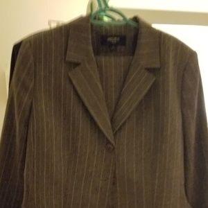 Jones wear suit